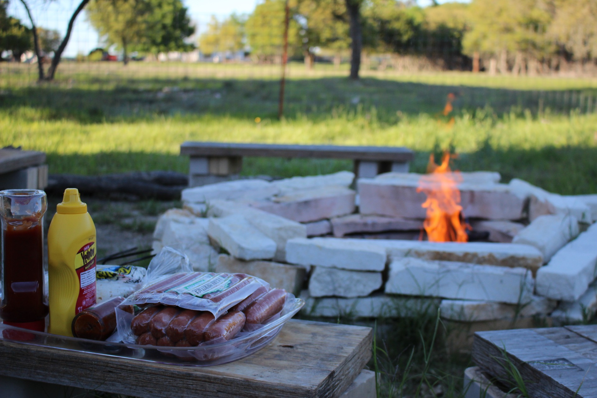 Build a Fire Pit - DIY Alternatives to a BBQ - Climadoor